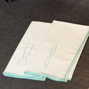 Embroidered napkins (BT044N)